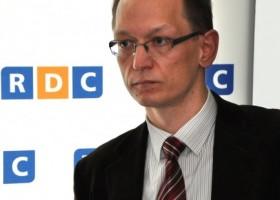 Radny Robert Szydlik w Radiu dla Ciebie porusza temat nagród oraz dostępu do informacji