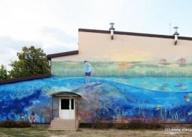 ST 8 (98)/2015 Mokra Wieś na polskiej mapie murali – POD POWIERZCHNIĄ MAGICZNEGO STAWU