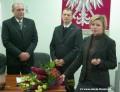 Odwołana ze stanowiska skarbnika gminy pani Bogusława Toma, nie kryjąc emocji, podziękowała wszystkim tłuszczańskim samorządowcom i urzędnikom za wieloletnią współpracę. (fot. AP)