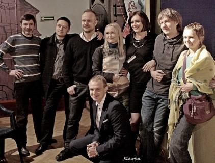 Ekipa filmowa na pokazie przedpremierowym (fot. facebook.com/StowarzyszenieRoduKielakowSiewba)