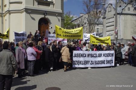Protest pod kurią (fot. M. Puławski)