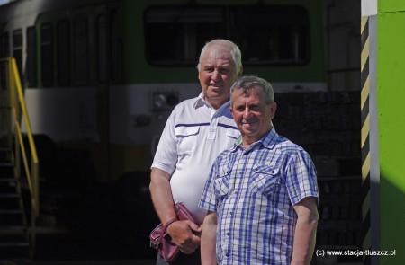 """Andrzej Przywoźny i Waldemar Sobczak (z prawej) wspominają czasy """"Solidarności"""" w tłuszczańskiej lokomotywowni"""