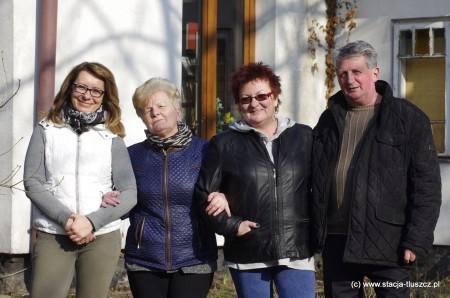 Agnieszka Szyszkowska, Eugenia Kowalewska, Małgorzata Bielecka i Włodzimierz Romański działają wspólnie na rzecz swojego sołectwa