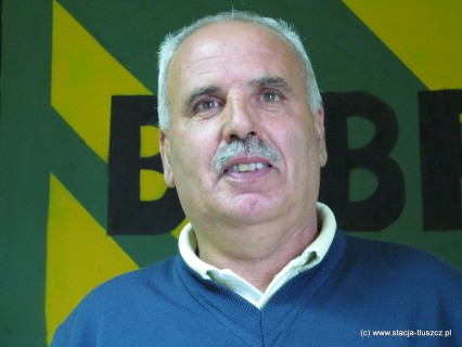 Leszek Panasiewicz od 16 lat prowadził drużynę Bobra Tłuszcz. Za wszystkie te lata dziękujemy i zachowujemy szacunek!
